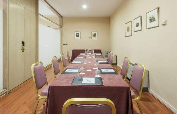 BUSINESS CENTER Hotel ILUNION Alcora Sevilla Sevilla